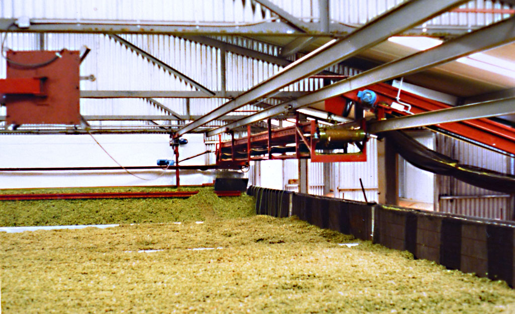 Hop Spreading Conveyor